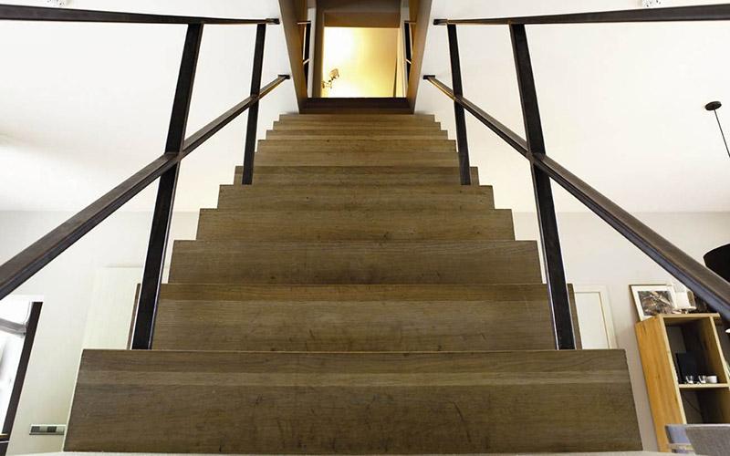 Holz Treppenstufen Restaurieren